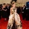 Sarah Jessica Parker u Giles haljini