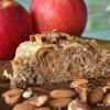 Štrudl od prepečenih lješnjaka, oraha i jabuka