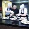 Chefica Priska Thuring priprema jelo