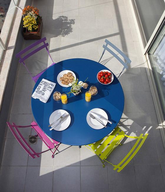 Najbolja rješenja za mali stan: minimalizam, humor i boje