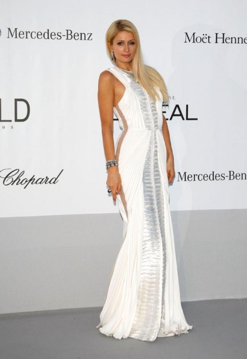 Paris Hilton pozira