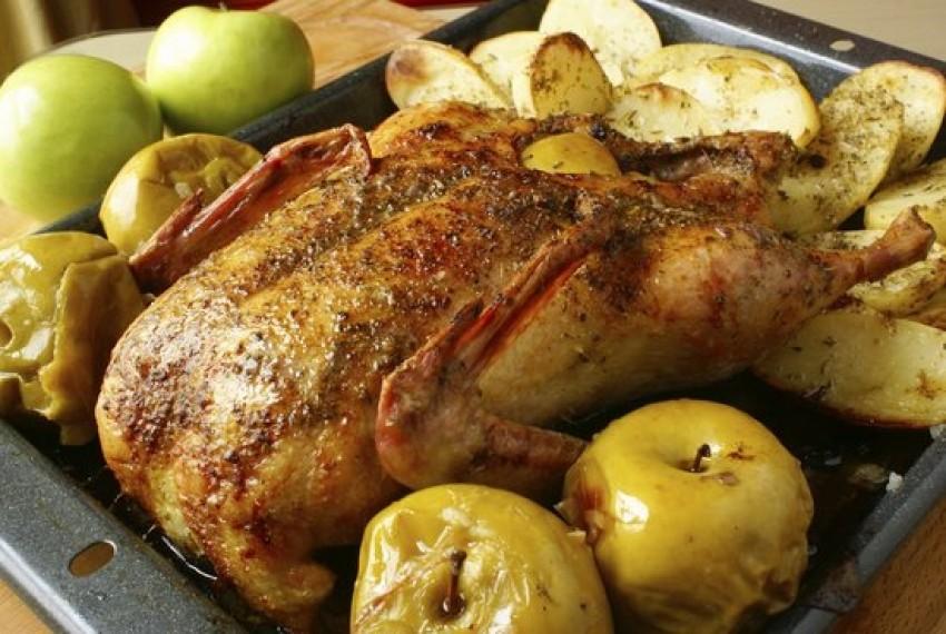 Pečena patka s jabukama