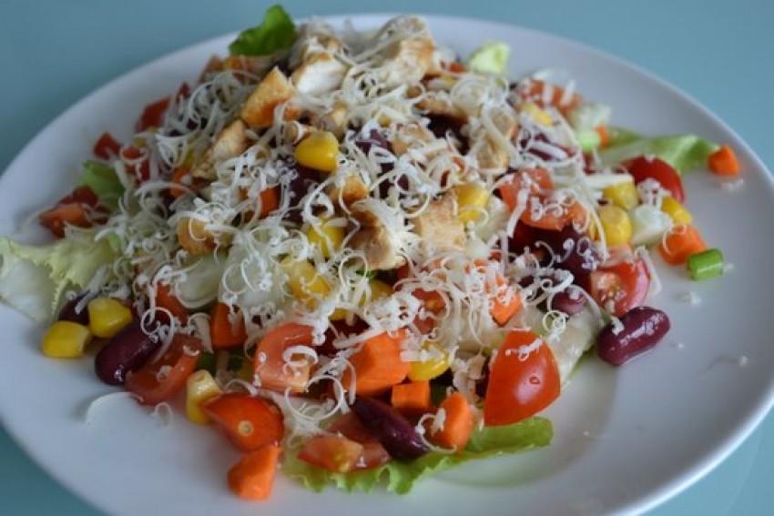Meksicka salata s piletinom