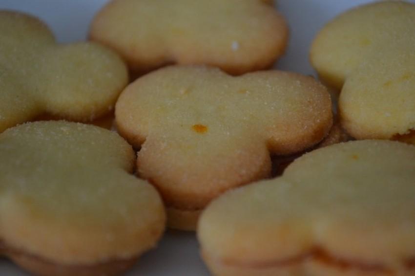 Bakini božićni keksi s pekmezom