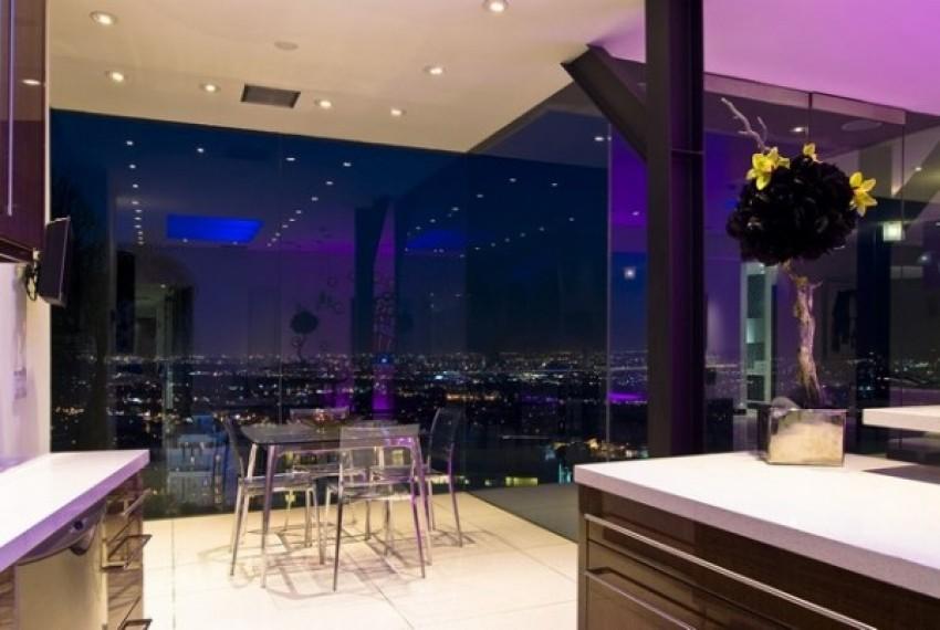 Luskuzni samački stan u Hollywoodu