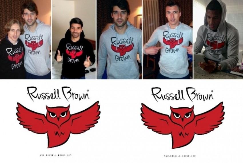 Modna marka Russelll Brad nogometaša Dejana Lovrena i njegovog prijatelja Lovre zaludila je nogometaše JRVATSKE NOGOMETNE REPREZENTACIJE