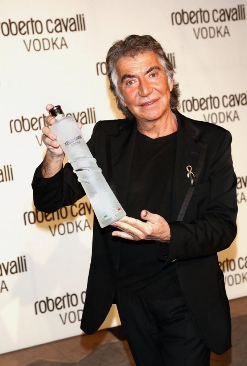 Modni dizajner Roberto Cavalli piše svoju autobiografiju, haljine, tigrasti uzorak