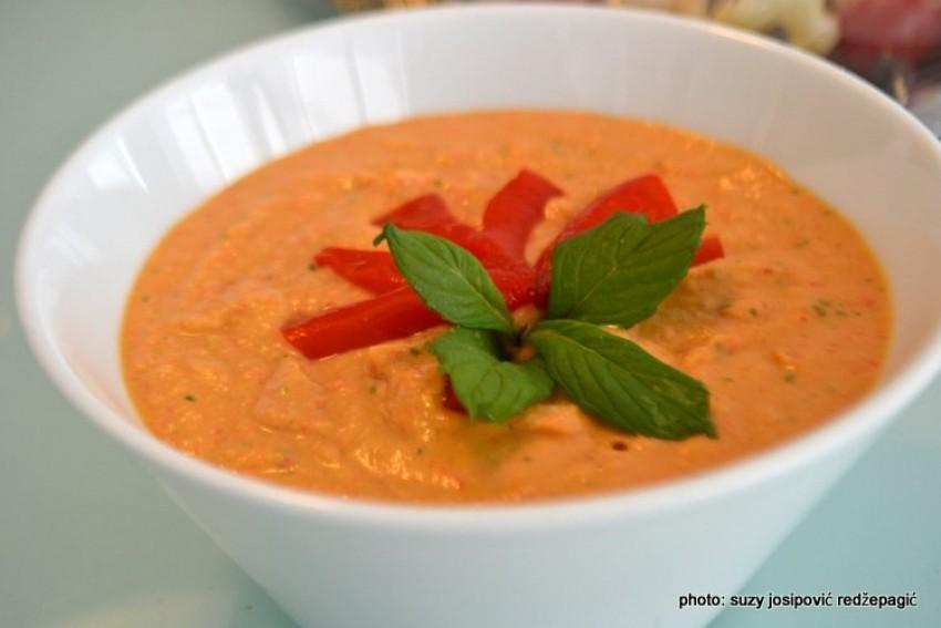 Hummus - namaz od slanutka s pečenom crvenom paprikom