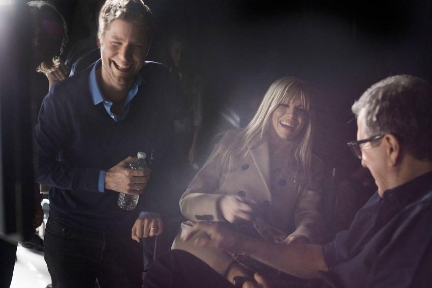 Sienna Miller, Christopher Bailey i Mario Testino