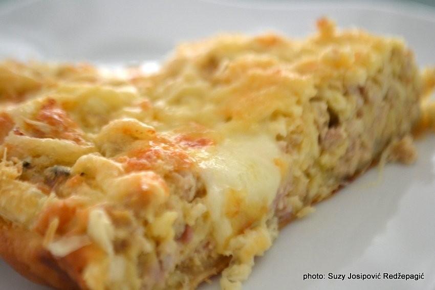 Quiche (pita) s mljevenim mesom i mozzarellom