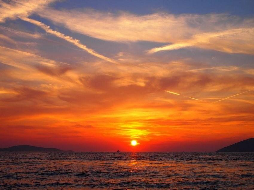 Zalaz sunca s povratka s Sv. Klement