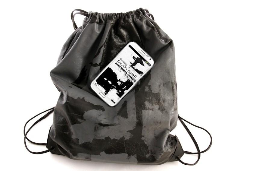Galaxy Note II i Alexander Wang ruksak