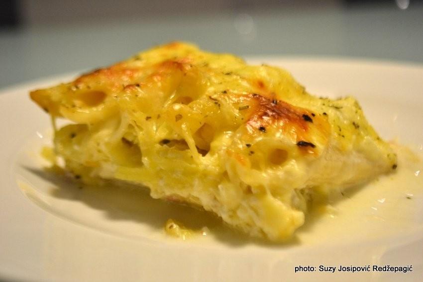 Zapečena tjestenina s 3 vrste sira