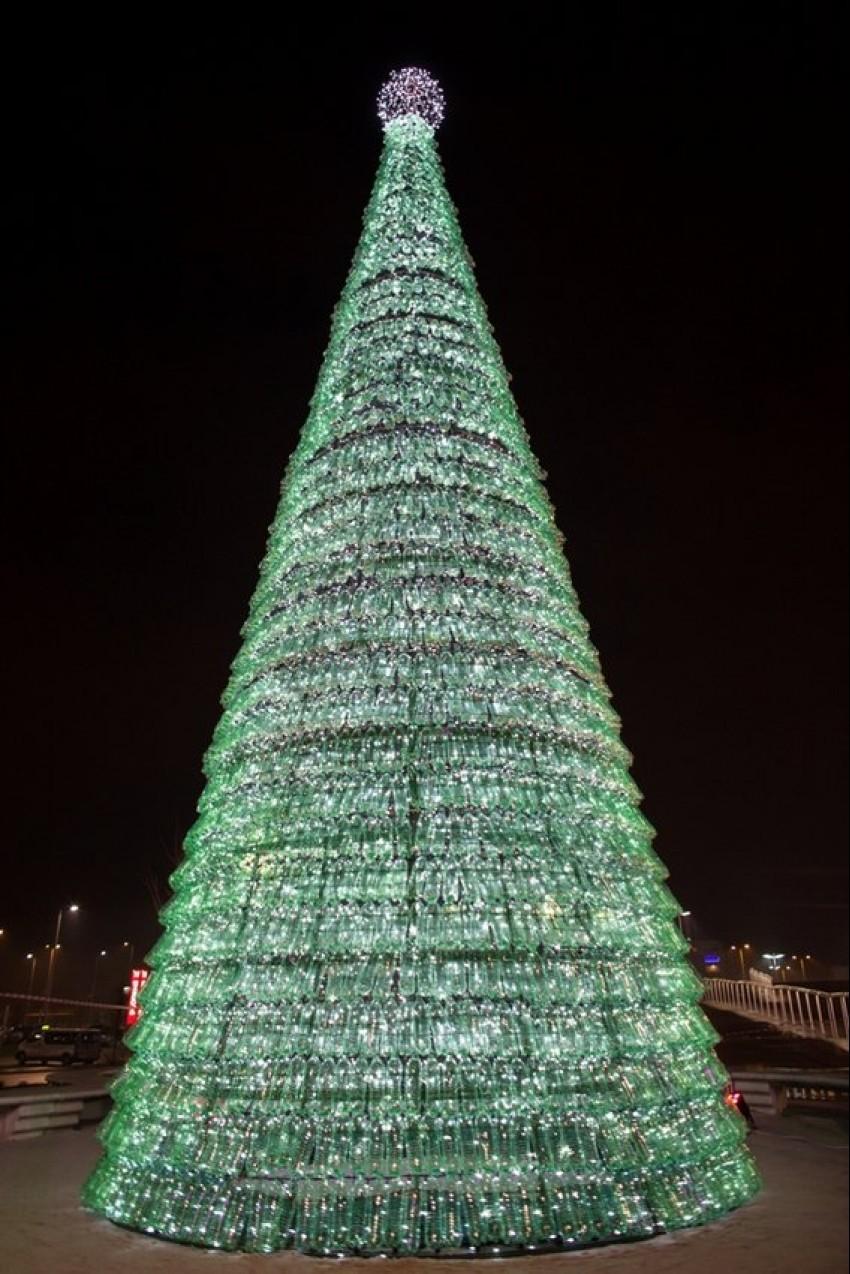 Eko božićno drvce ispred Arena centra