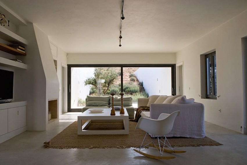 """Stone Desert Home"" (Grčka)"