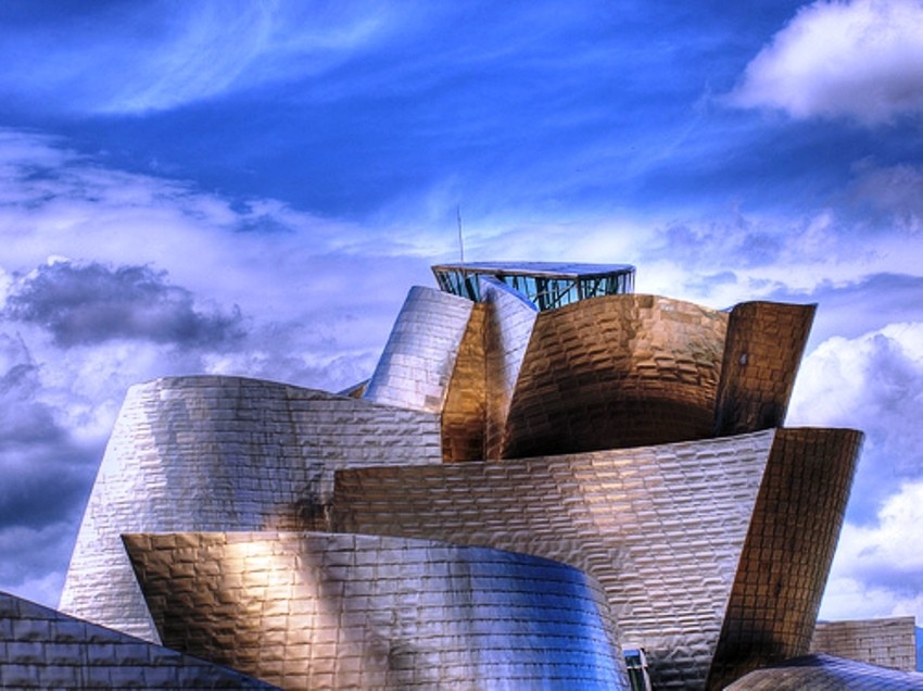 Museo de Guggenheim by herrero. Creative Commons Attribution Licence.