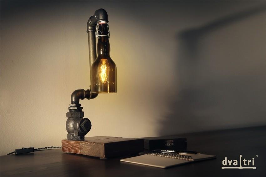 Dva i tri  stolna lampa