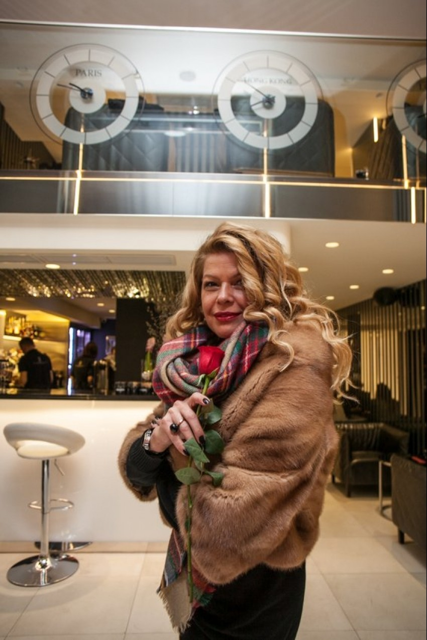 Mia Begović, VIP travel caffe, Valentinovo