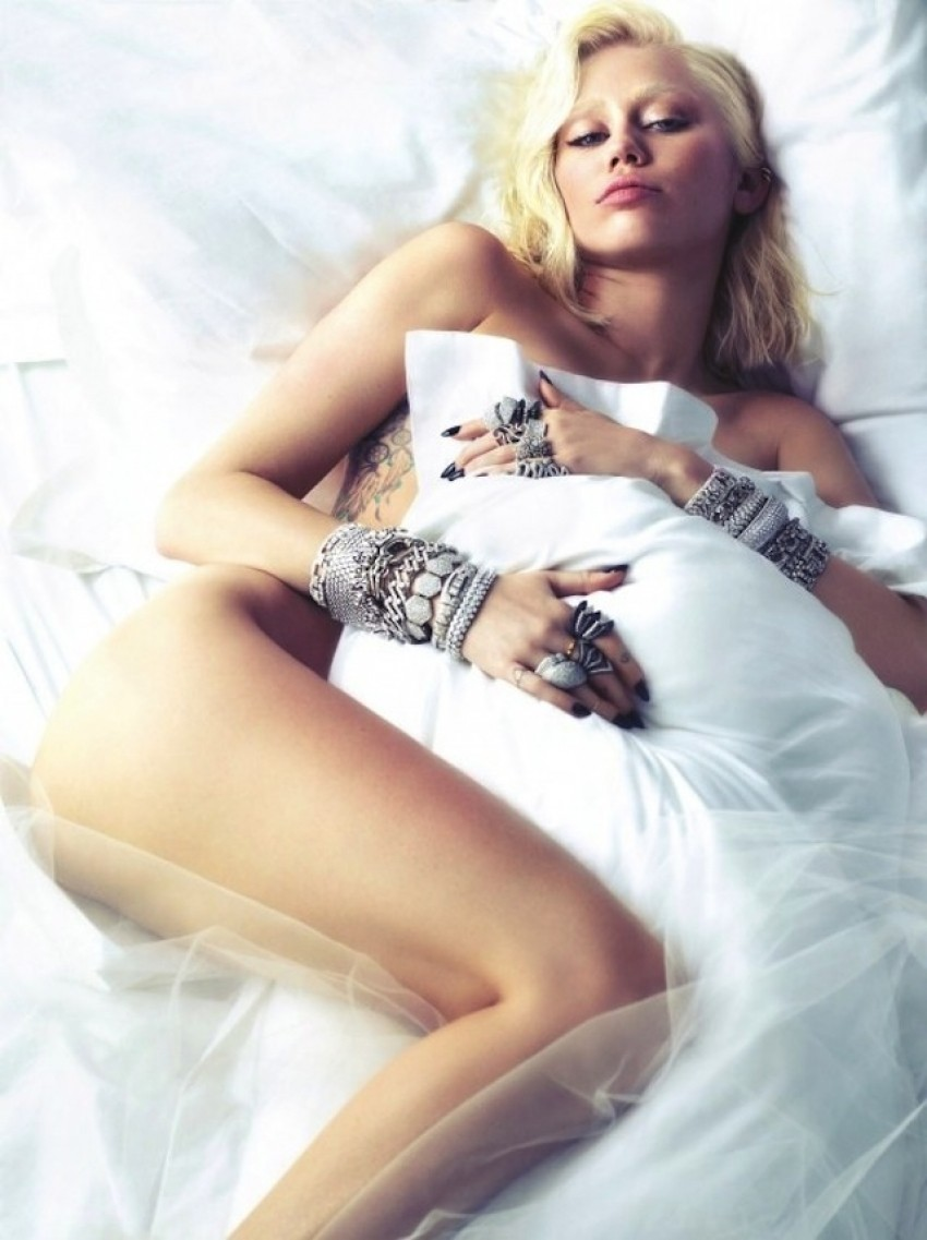 Miley Cyrus za W magazin