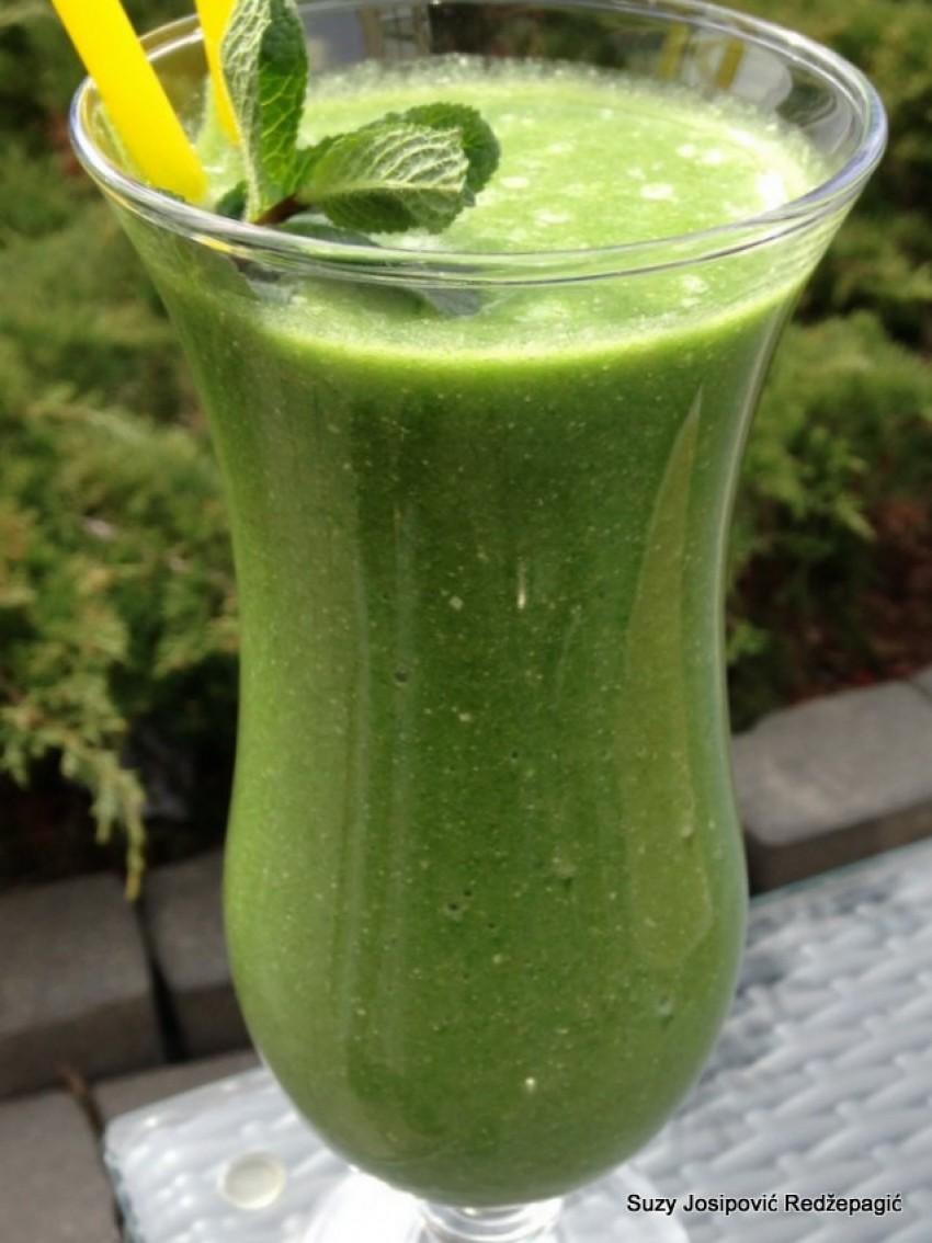 Zeleni detox smootie