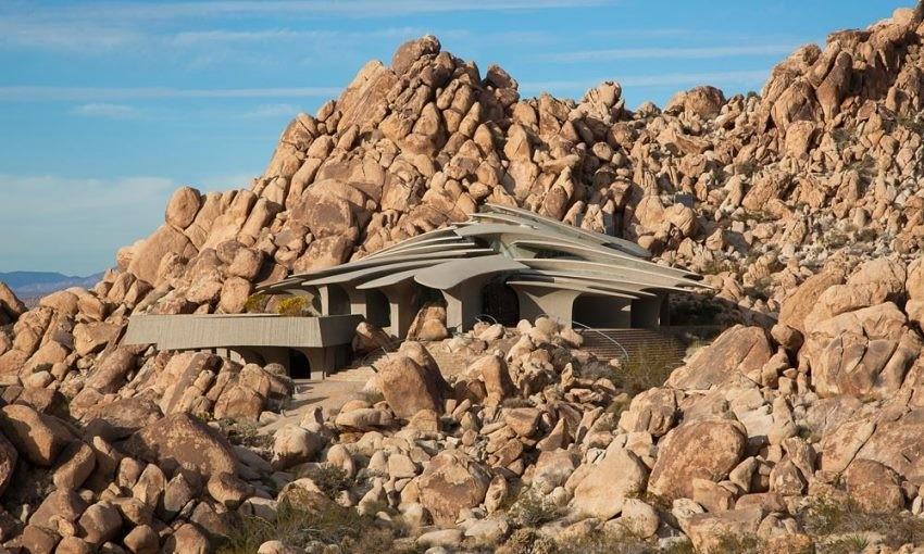 Svojim se dizajnom izvrsna uklopila u pustinjski okoliš