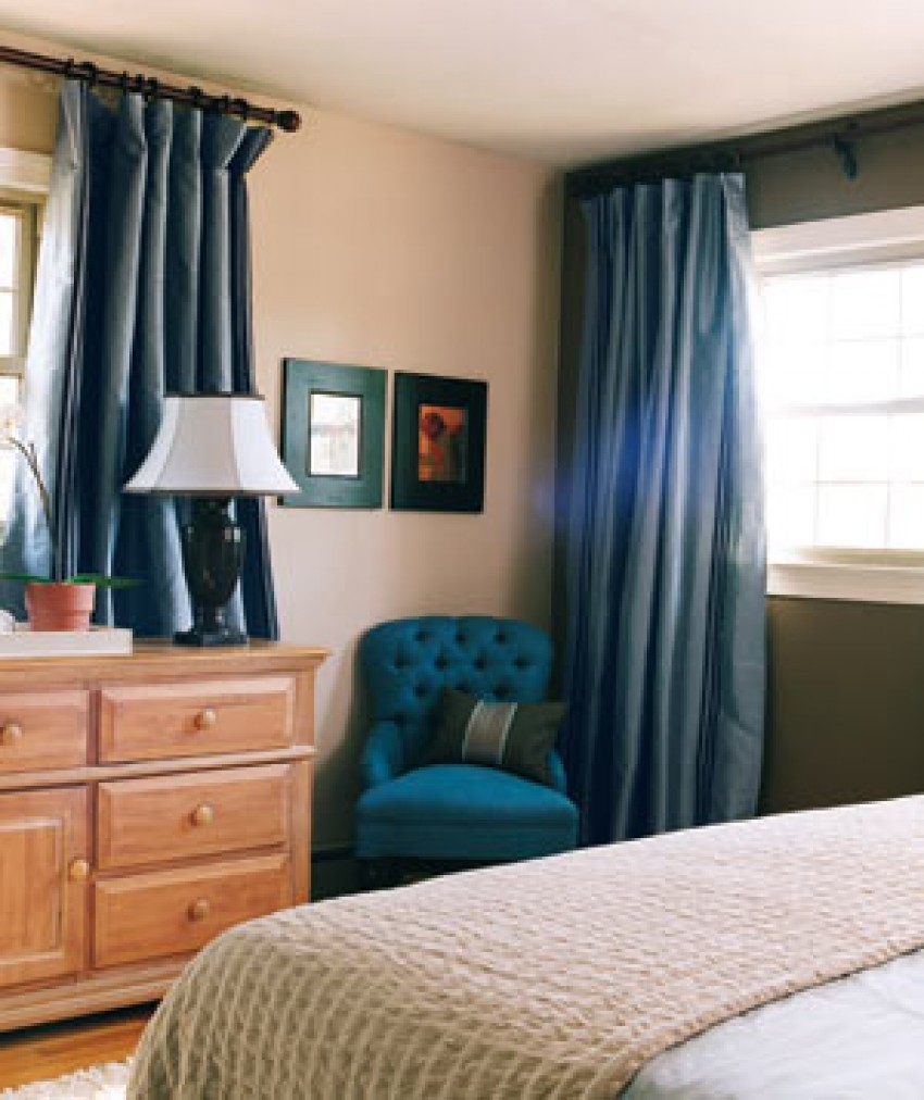 bedroom Decorating Tricks for Your Bedroom 0207 blue chair bedroom 300