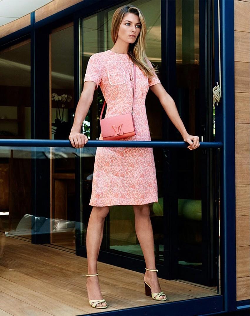 Jessica Hart za Louis Vuittonov asesoar SS 2014.