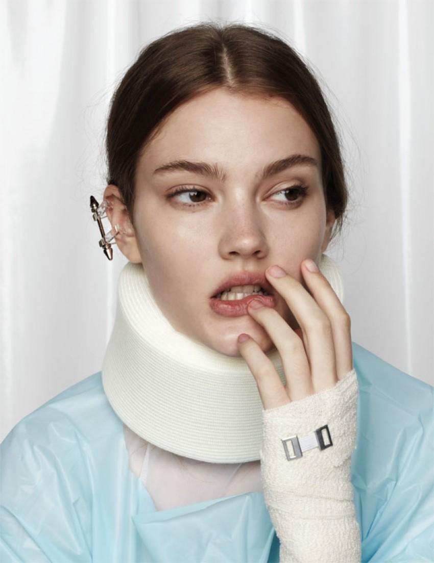 Ovo je najbizarniji modni editorijal kojeg smo vidjeli