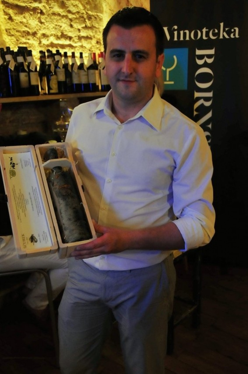 Belizar Miloš, vinoteka Bornstein