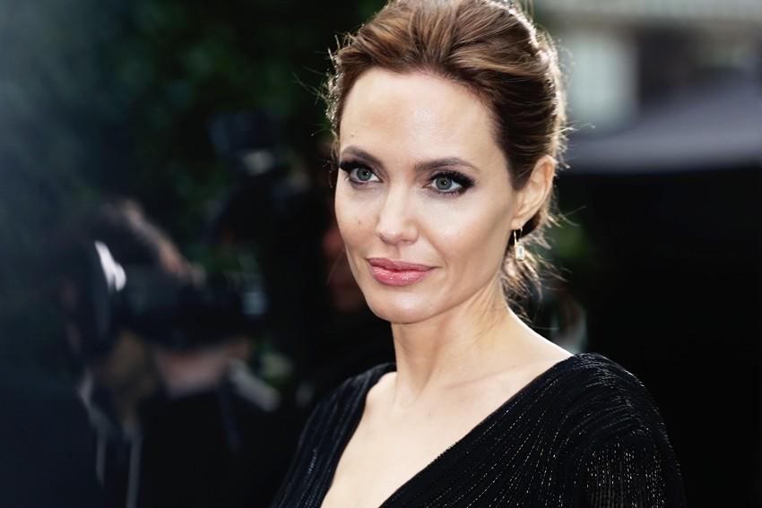 Angelina Jolie osvojila crveni tepih kao Maleficent