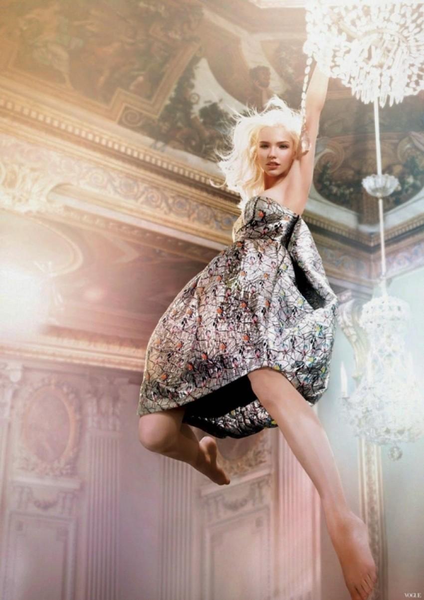 Dior Addict predstavlja modernu Alisu u zemlji čudesa