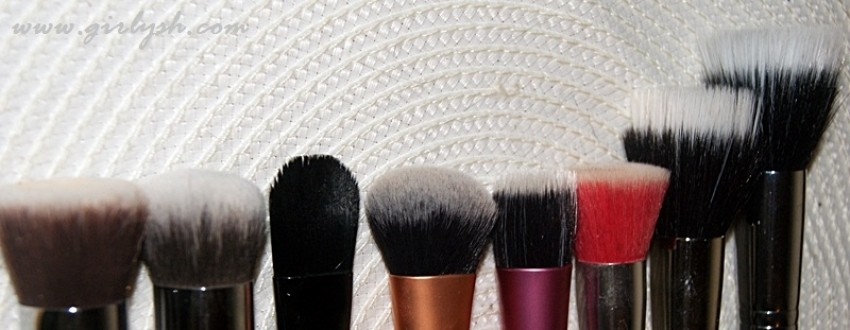 S lijeva na desno: Sigma F80, F82, Illamasqua foundation brush, Real techniques expert face brush, RT stippling brush, essence LE kist, Mac 187 i Sigma F50