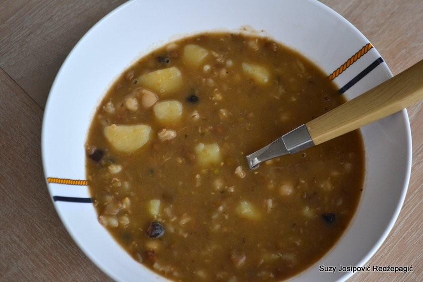 Varivo od grahorica s krumpirom