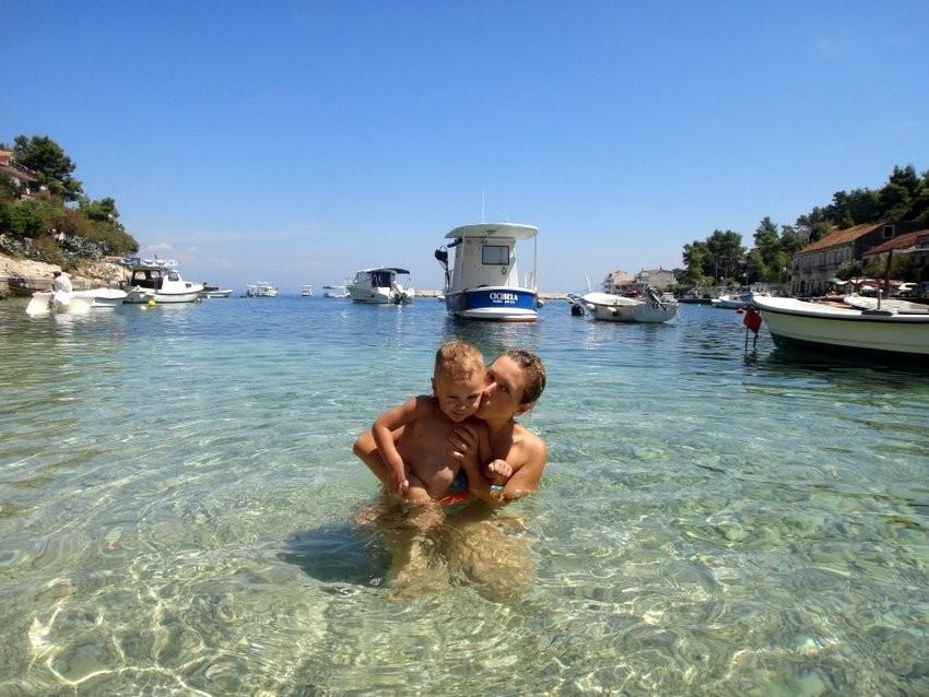 Mama i sinčić u moru