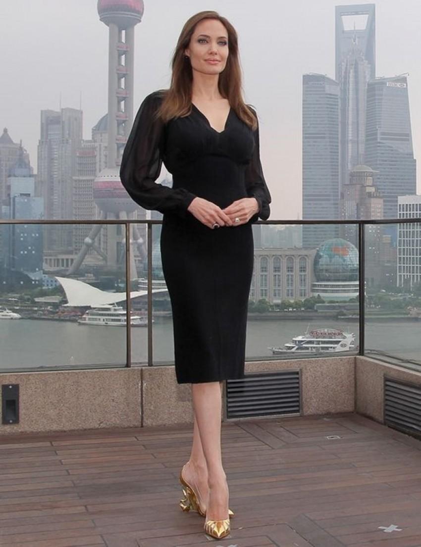 Želimo Louboutin štikle inspirirane Angelinom Jolie!