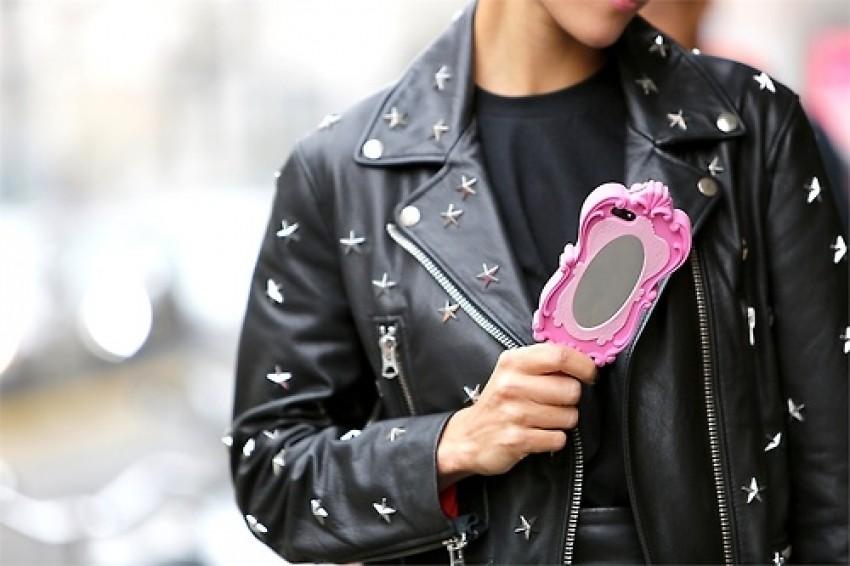 """Ludi smo za Moschino """"selfie"""" maskom za mobitel"""