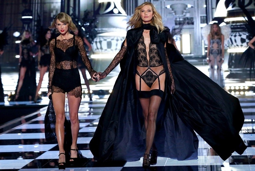 "Victoria's Secret Anđelice prepjevale hit ""Shake It Off"""