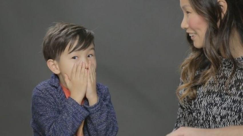 Pogledajte kako roditelji po prvi puta s klincima pričaju o seksu