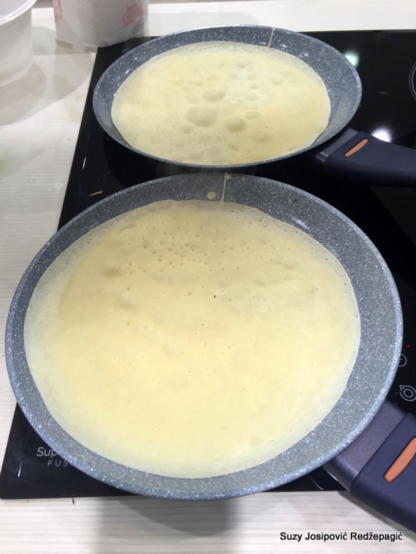 Pečenje palačinki bez kapi ulja u novo tavi Delicia Delimano