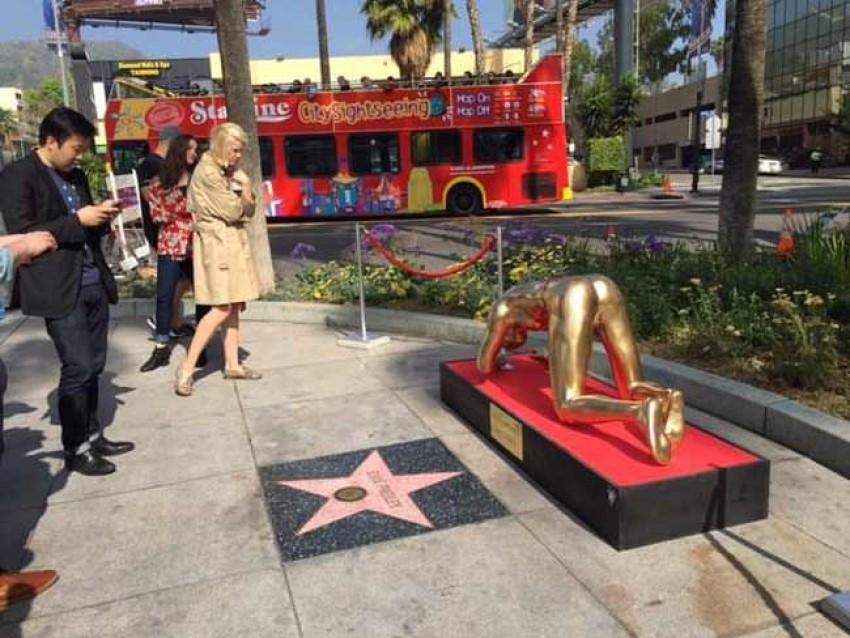 Umjetnik Plastic Jesus prikazao pravi Hollywoodski party - Oscar s kokainom