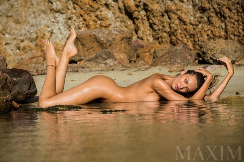 Candice Swanepoel ponovno ogolila svoje fit tijelo za MaximCandice Swanepoel ponovno ogolila svoje fit tijelo za Maxim