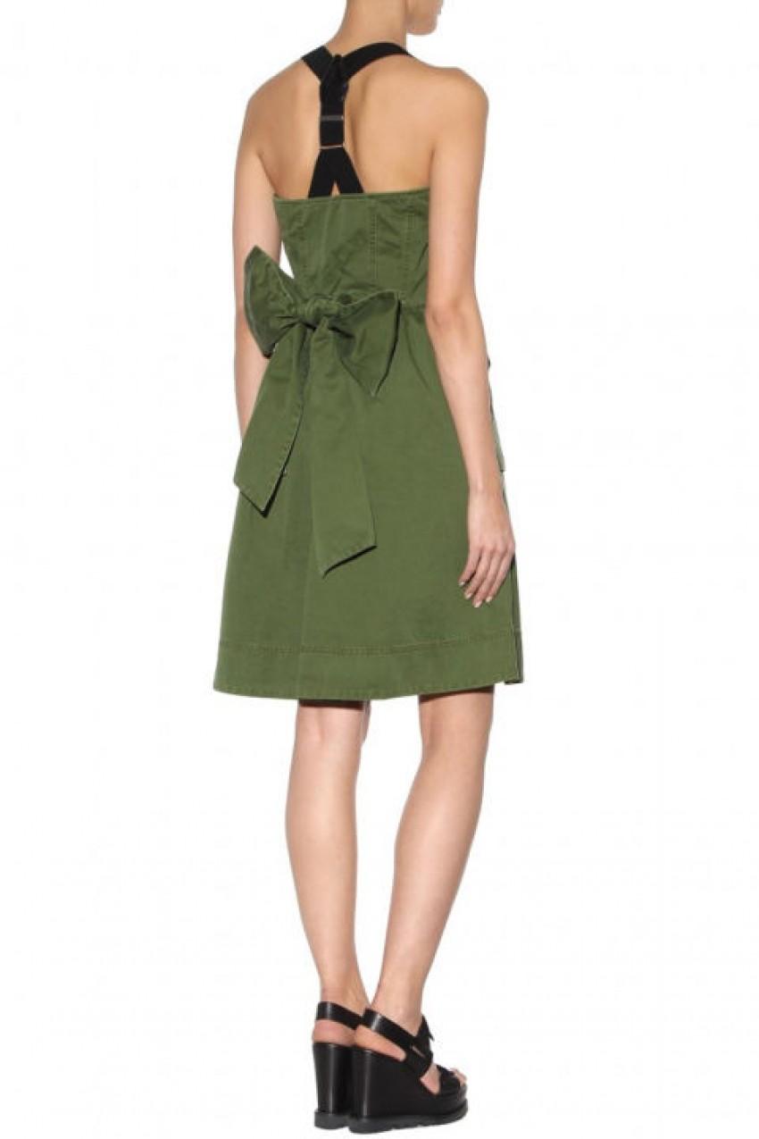 5 haljina koje će vas osvojiti savršeno ogoljenim leđima