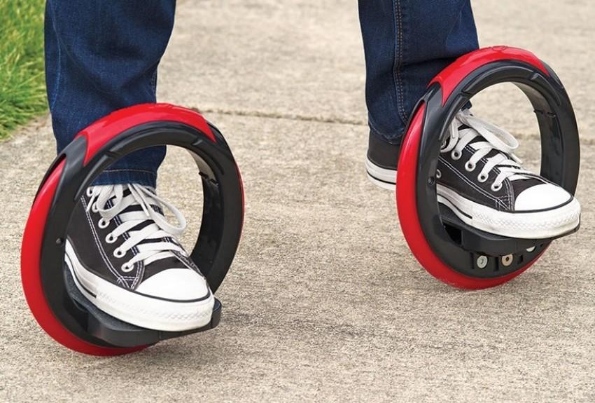 Sidewinding Circular Skates
