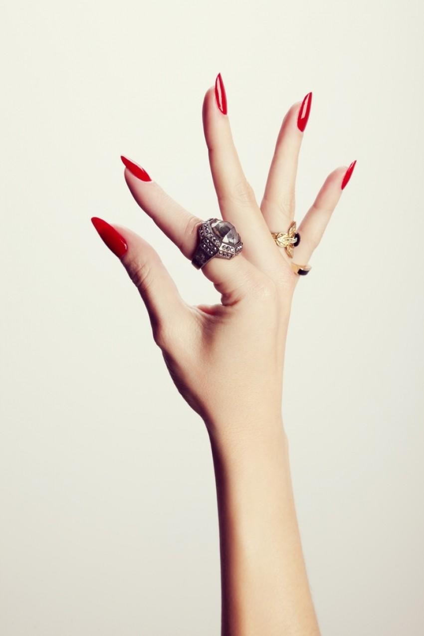 Je li poliranje noktiju uistinu loše za nokte?