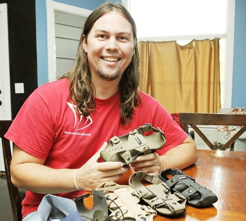 Izmišljene cipele koje u 5 godina rastu 5 brojeva