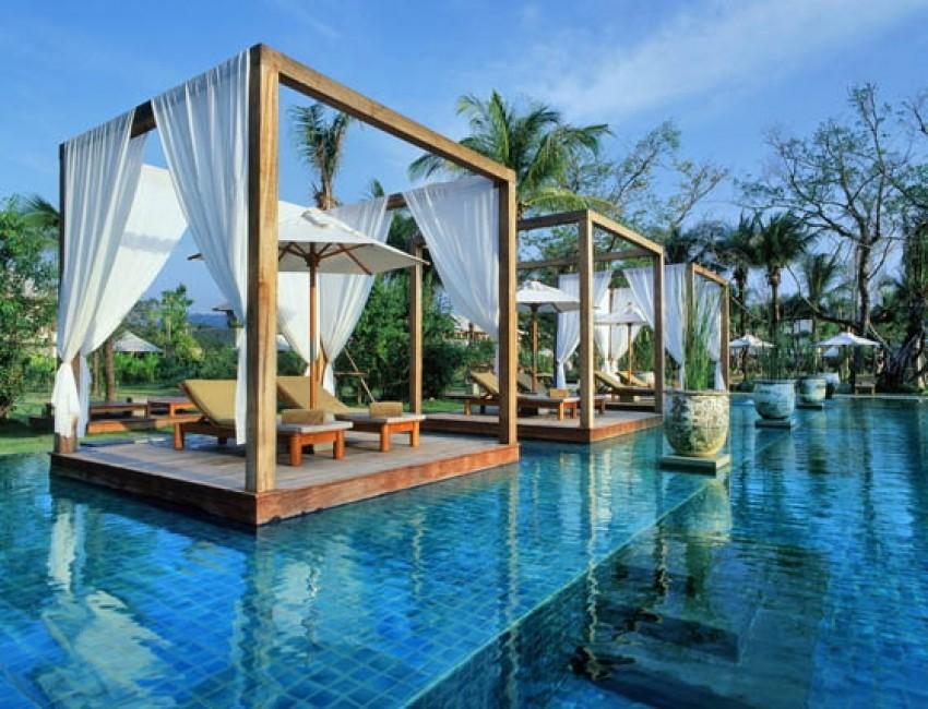 The Sarojin, Tajland