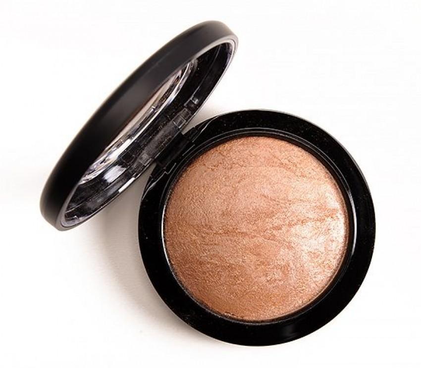 "MAC Mineralize Skinfinish ""Global Glow"""