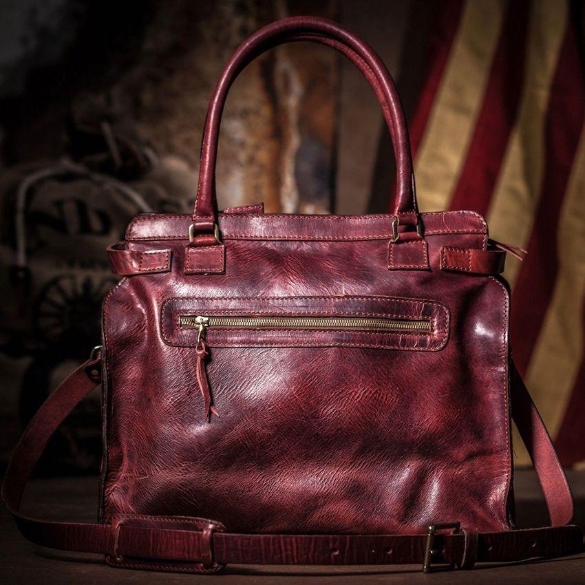 Blake Lively dizajnirala kožnu torbu za pelene