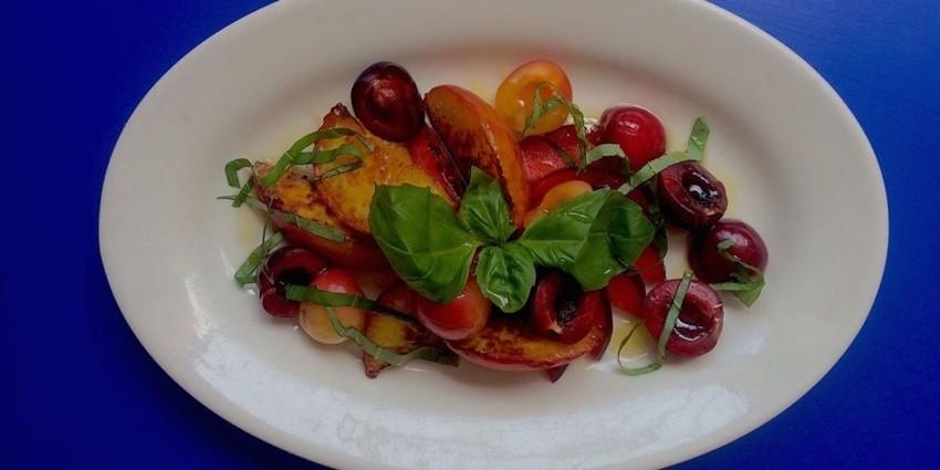 Ljetna salata od 3 sastojka koja će vas apsolutno očarati!