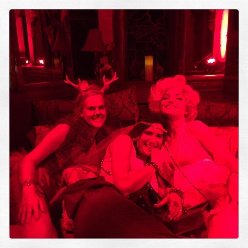Miranda s prijateljima proslavila Halloween ranije